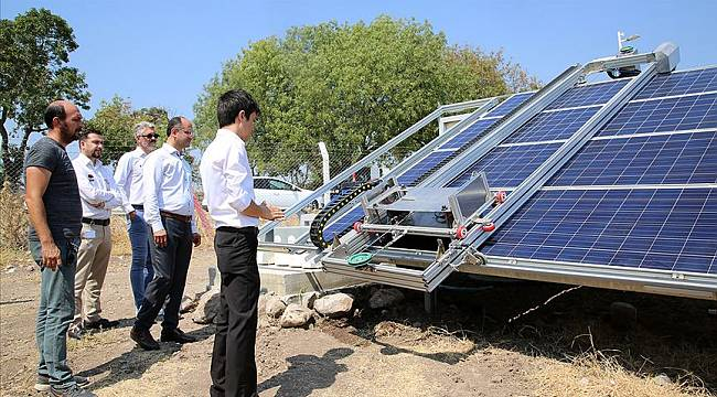 Güneş Panellerini Robot Temizleyecek