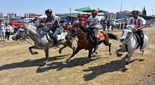 Turgutlu'da Rahvan At Yarışları Yapıldı