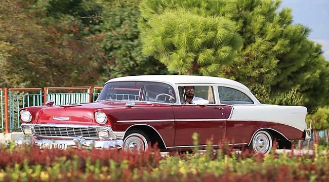 Turgutlulu Genç, 1956 Model Otomobilini Lüks Araçlara Değişmiyor
