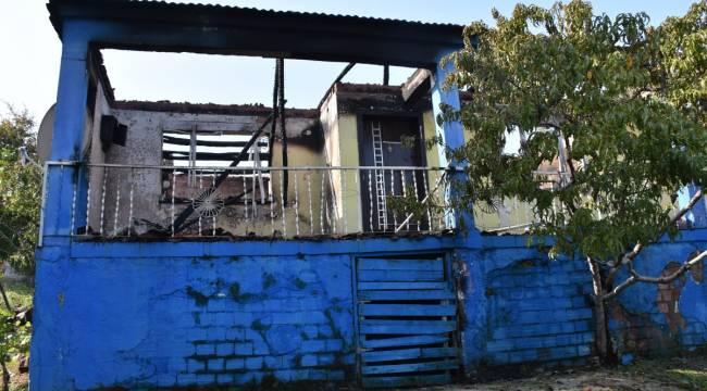 Turgutlu'da Cinayet Şüphelisinin Evi Yandı