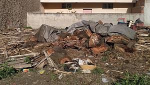 Turgutlu'da Bir Kişi Odun Keserken Yaralandı