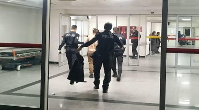 Turgutlu'da Sokak Ortasında Kendisini Jiletledi