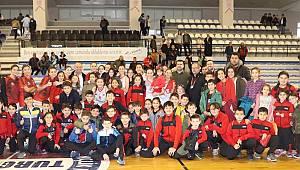 Turgutlu Belediye Kadın Basketbol Evinde Son Maçına Çıkıyor