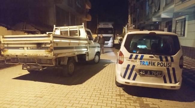 Turgutlu'da Aracına Çarpıp Kaçan Kamyoneti, Tırıyla Ara Sokaklarda Kovaladı