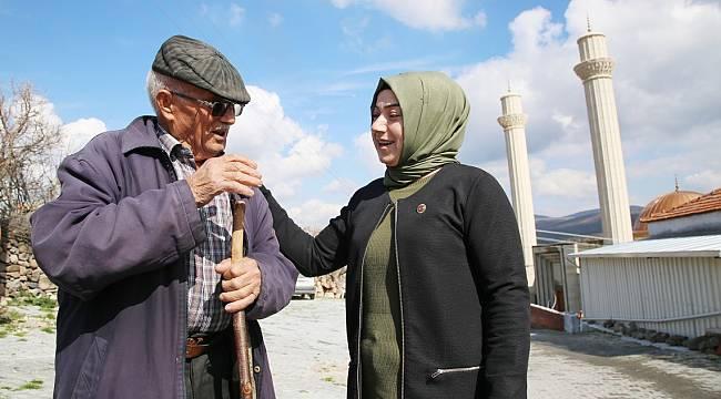 Manisa'da Gelin Geldiği Köye Muhtar Olan Kadın, İcraatlarıyla Fark Yarattı