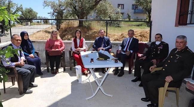 Albay Kalkan'dan Turgutlu'da Şehit Ailelerine Ziyaret