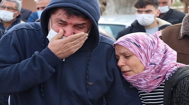 Ahmetli'de Tarla Yolunda Ölü Bulunan Gençlerden Muharrem Zengin'in Cenazesi Toprağa Verildi