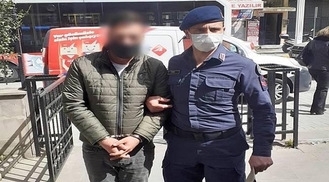 Ahmetli'de 35 Ayrı Suçtan Aranan Şüpheli Otobüste Yakalanarak Tutuklandı