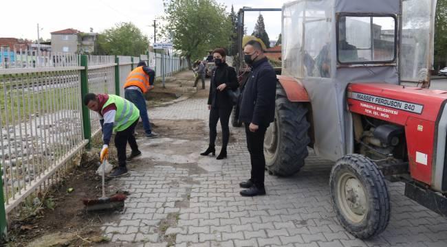 Turgutlu Belediyesinden Yabani Ot Temizliği