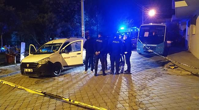 Turgutlu'da 1 Kişi Sokak Ortasında Park Ettiği Araçta Tabanca İle İntihar Etti