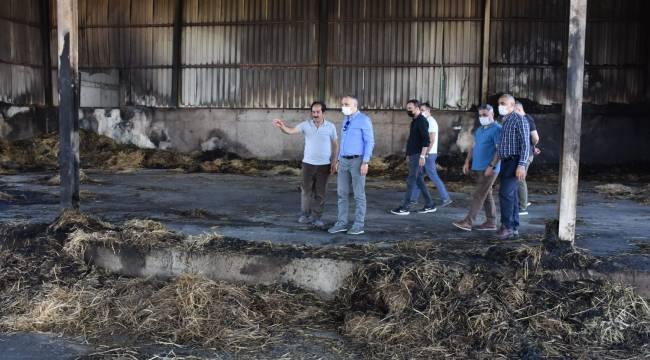 Tarım İl Müdürü Öztürk'ten Saman Deposu Yanan Çiftliğe Ziyaret