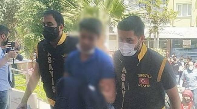 Turgutlu'da Babasını Öldüren Şüpheli Tutuklandı