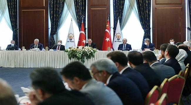 Cumhurbaşkanı Erdoğan'dan Milletvekillerine Sahada Olun Talimatı