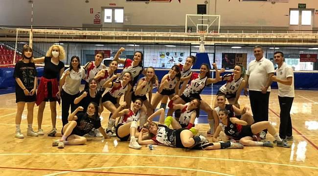 Turgutlu Belediyespor Kadın Voleybol Takımından İlk Galibiyet