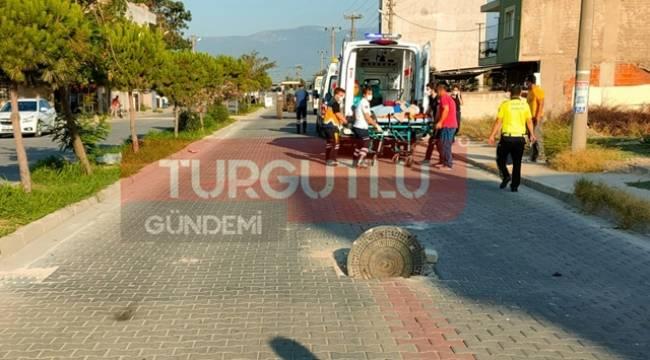Turgutlu'da Rögar Kapağına Çarpan İşçi Servisi Kaza Yaptı: 7 Yaralı