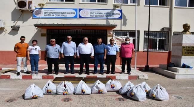 TUTSO'dan 600 Öğrenciye Kıyafet ve Ayakkabı Yardımı